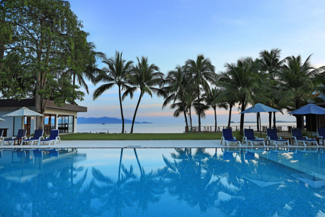 Main Photo New Beachfront Swimming Pool